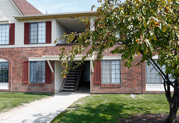 17673 Kingsbrooke Circle 1-2 Beds Apartment for Rent Photo Gallery 1