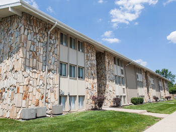 5125 Cedar Dr, 1-2 Beds Apartment for Rent Photo Gallery 1