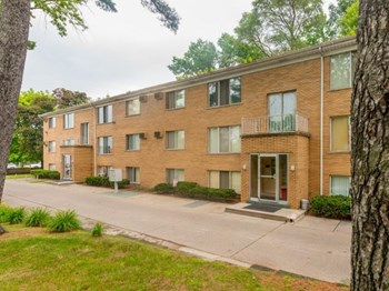 50980 Jefferson 1 Bed Apartment for Rent Photo Gallery 1