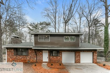 1821 Pine Creek Drive 3 Beds House for Rent Photo Gallery 1