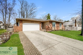 2208 Surreygate 4 Beds House for Rent Photo Gallery 1