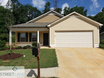 175 Rockingham Drive - Lot 18 3 Beds House for Rent Photo Gallery 1