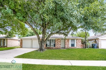 7806 Whispering Wood Ln 3 Beds House for Rent Photo Gallery 1