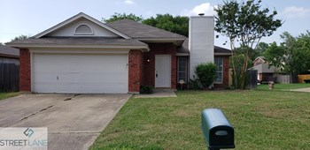 801 Havenbrook Drive 3 Beds House for Rent Photo Gallery 1