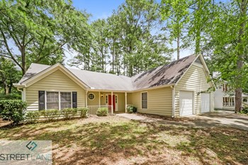 2522 Country Lake Circle 3 Beds House for Rent Photo Gallery 1