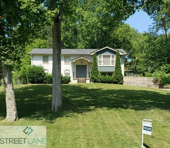 121 Lakeside Park Drive 4 Beds House for Rent Photo Gallery 1