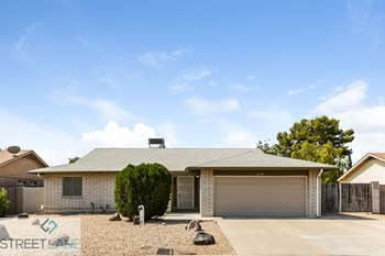 2507 W ROVEEN Avenue, Phoenix AZ 85029 3 Beds House for Rent Photo Gallery 1