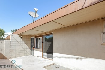2034 W Cactus Rd, Unit D 2 Beds House for Rent Photo Gallery 1