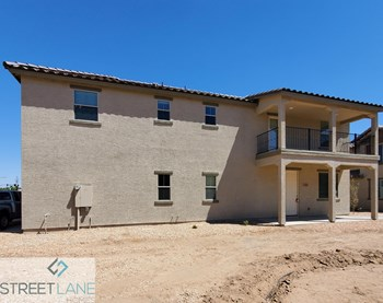 820 E. Agua Fria Ln 4 Beds House for Rent Photo Gallery 1