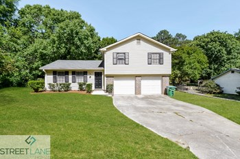 1152 Holly Hills Drive SW 3 Beds House for Rent Photo Gallery 1