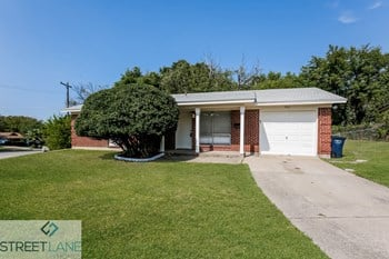 4801 Jaycrest Court 2 Beds House for Rent Photo Gallery 1