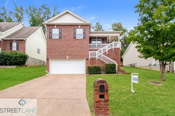 1652 Bridgecrest Drive 3 Beds House for Rent Photo Gallery 1