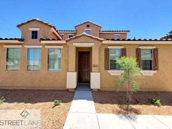 5462 W Fulton St 3 Beds House for Rent Photo Gallery 1