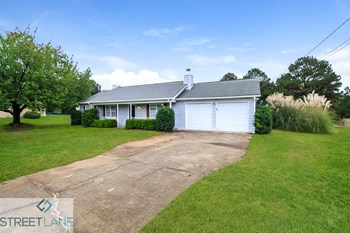 107 Summerfield Drive 3 Beds House for Rent Photo Gallery 1