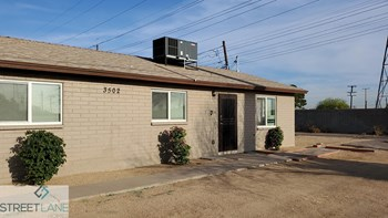 3502 W Hadley St Unit B 2 Beds House for Rent Photo Gallery 1