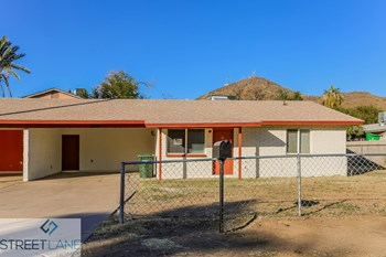 10641 N 15Th Ave Unit 2 2 Beds House for Rent Photo Gallery 1