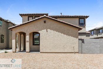 5466 W Fulton St 3 Beds House for Rent Photo Gallery 1
