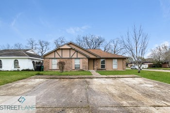 6702 W Fuqua Dr 2 Beds House for Rent Photo Gallery 1