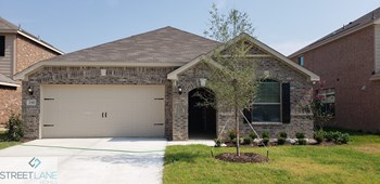 135 Magnolia Drive 4 Beds House for Rent Photo Gallery 1