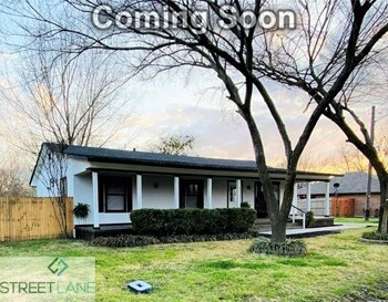213 E Gail 4 Beds House for Rent Photo Gallery 1