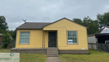 2461 Volga 3 Beds House for Rent Photo Gallery 1