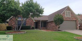 3314 Cliffview 4 Beds House for Rent Photo Gallery 1