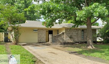 912 Meadowdale 3 Beds House for Rent Photo Gallery 1