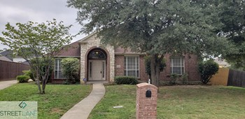 2806 ST CHARLES DRIVE 4 Beds House for Rent Photo Gallery 1
