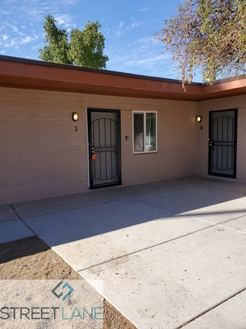 6730 W Palmaire Avenue Unit 3 1 Bed House for Rent Photo Gallery 1