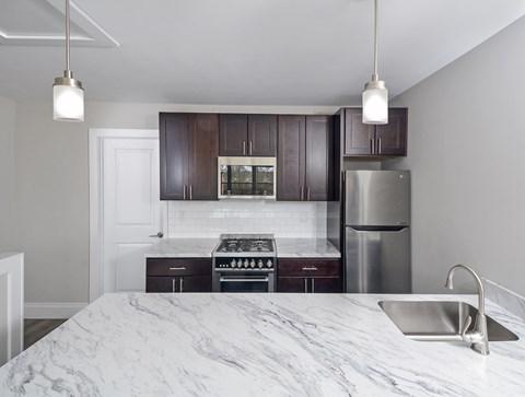 Burlington Pointe Apartment Studio Kitchen