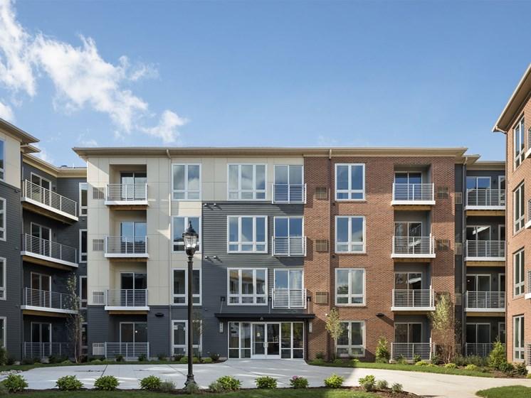 Quin Apartments Exterior