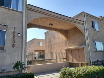 15520 Parthenia St 4 Beds Apartment for Rent Photo Gallery 1