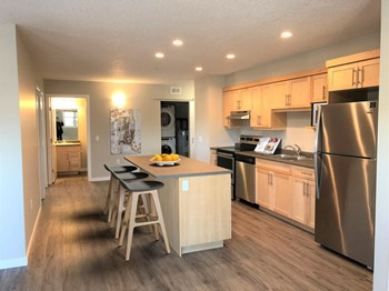 61 Oxford Common 2-3 Beds Apartment for Rent Photo Gallery 1