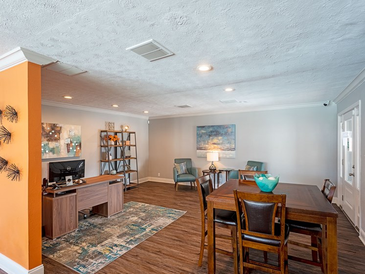 Home Business Area, Dining Area at Summerstone Apartments, Victoria, TX, 77901