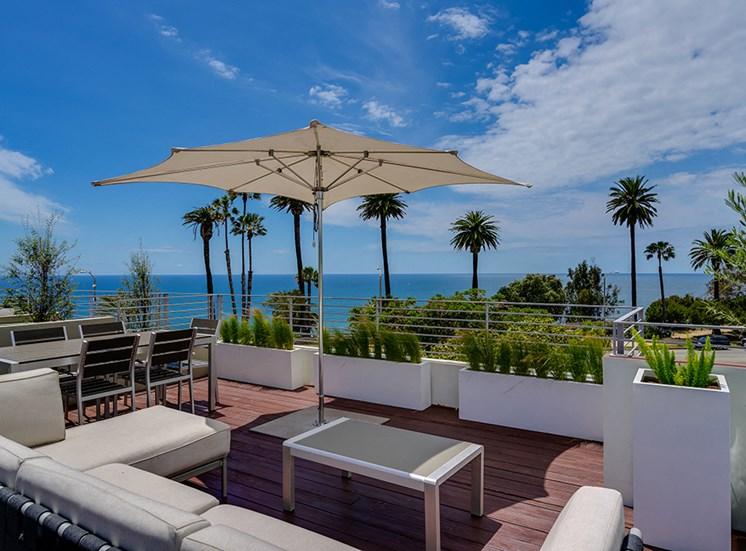 301 Ocean Ave Calif 90402, Top deck oceanviews