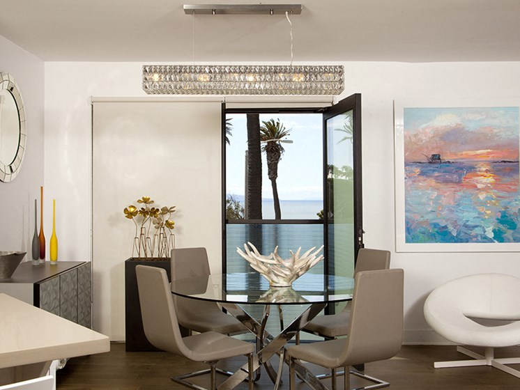 301 Ocean, Santa Monica 90402 Dining with oceanviews