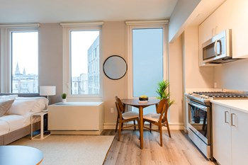 470 Manhattan Ave. Studio-3 Beds Apartment for Rent Photo Gallery 1