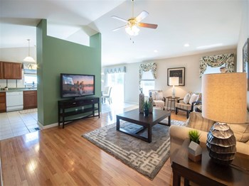 2255 Burton St 1-2 Beds Apartment for Rent Photo Gallery 1