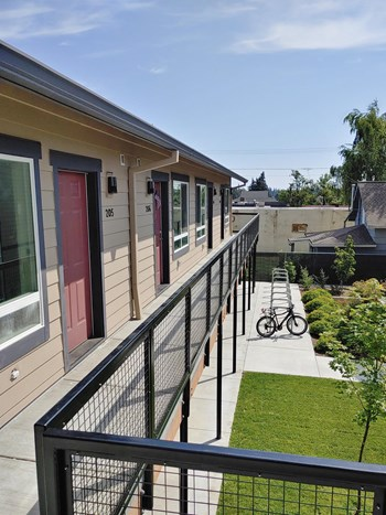2545 Columbia Blvd St. 1 Bed Apartment for Rent Photo Gallery 1