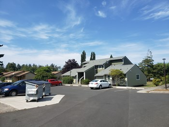 235 SW Alder Court 1-2 Beds Apartment for Rent Photo Gallery 1