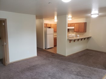 235 SW Alder Court 2 Beds Apartment for Rent Photo Gallery 1