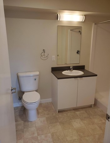 21192 Thornhill Ln 1-3 Beds Apartment for Rent Photo Gallery 1