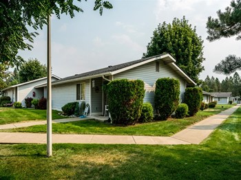 7032 W Heritage St 1-2 Beds Apartment for Rent Photo Gallery 1