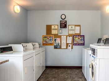 319 SW G Street 1-2 Beds Apartment for Rent Photo Gallery 1
