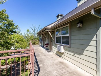 1067 Lookingglass Road 1 Bed Apartment for Rent Photo Gallery 1