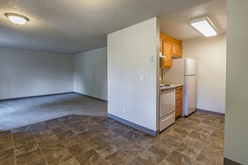 855 NE Hill Way 1 Bed Apartment for Rent Photo Gallery 1