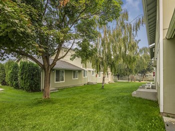 800 S Country Rd 1-3 Beds Apartment for Rent Photo Gallery 1