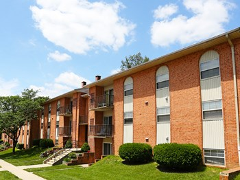 11 Spring Towne Circle 1-2 Beds Apartment for Rent Photo Gallery 1