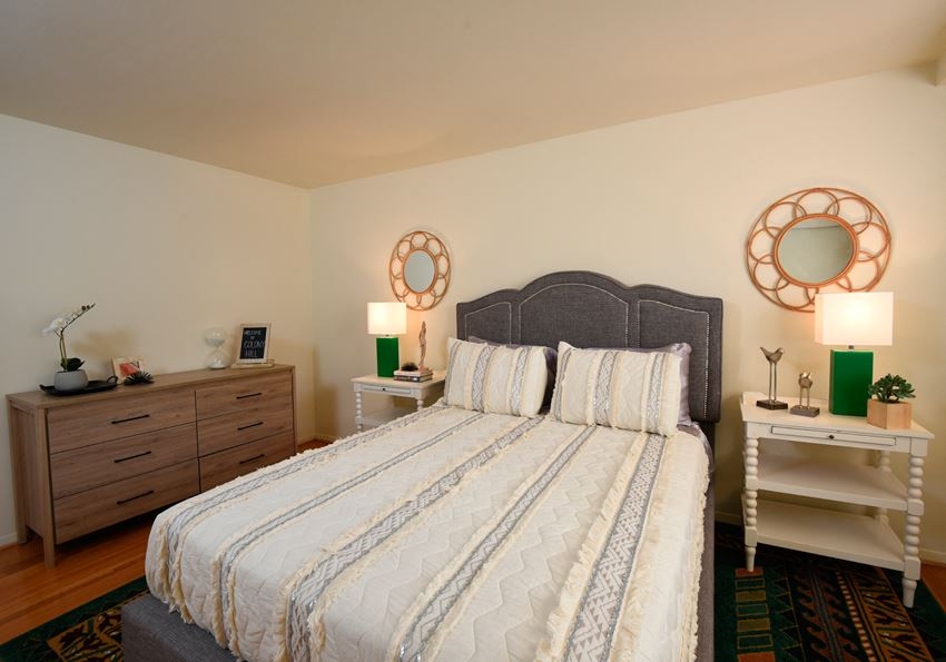 Master bedroom with a lot of space at Colony Hill