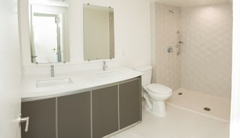 429 Hayworth Avenue 3 Beds Apartment for Rent Photo Gallery 1